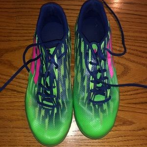 Shoes - Indoor soccer shoes
